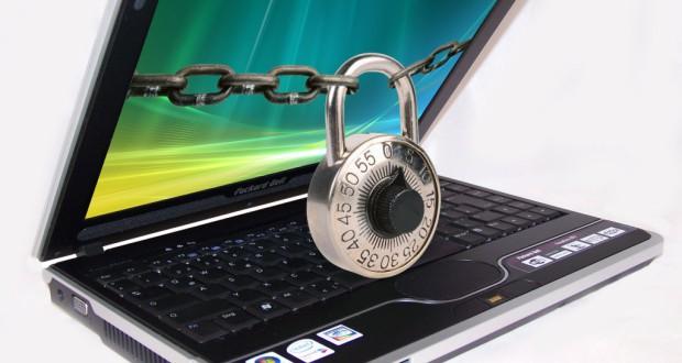 Sicher im Netz: Computer vor Gefahren aus dem Netz schützen (Bild: Antje Delater / pixelio.de)
