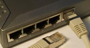 Netzwerke wie das Internet ist auf die Protokolle IPv4 und IPv6 angewiesen (Bild: Chris Adel / pixelio.de)