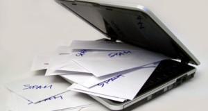 eMail-Spam am Computer (Bild: Antje Delater / pixelio.de)