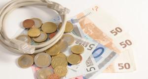 Durch den Verkauf von gebrauchten Artikeln im Internet lässt sich etwas Geld verdienen (Bild: Jorma Bork / pixelio.de)