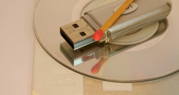 Dank USB-Sticks sind keine optischen Medien mehr zur Installation des Betriebssystems nötig (Bild: Harald Wanetschka / pixelio.de)